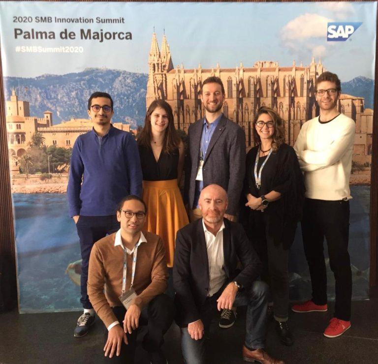 l'équipe ubister au innovation summit contest